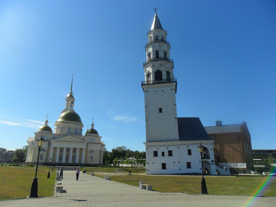 cosa vedere a Ekaterinburg : la torre inclinata di Nevyansk