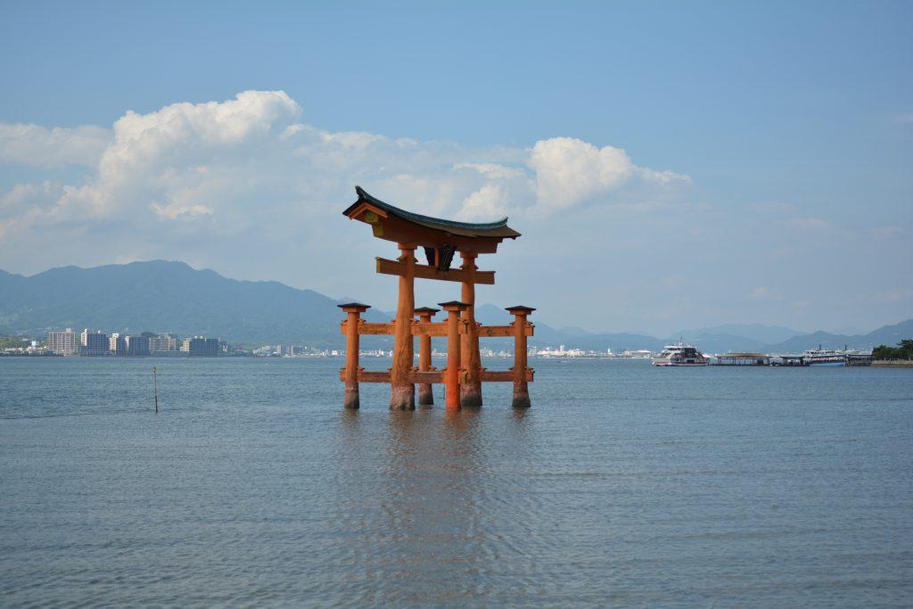 luna di miele in giappone :  il torii dell'isola di Miyajima