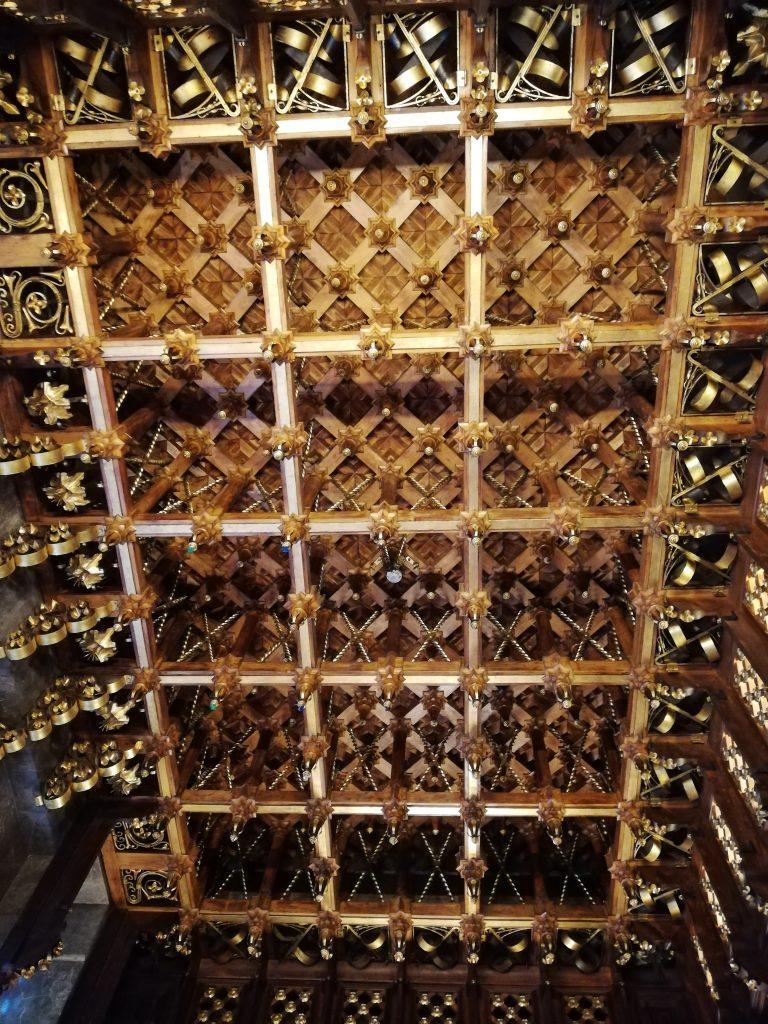 soffitto intarsiato in legno, palazzo Güell