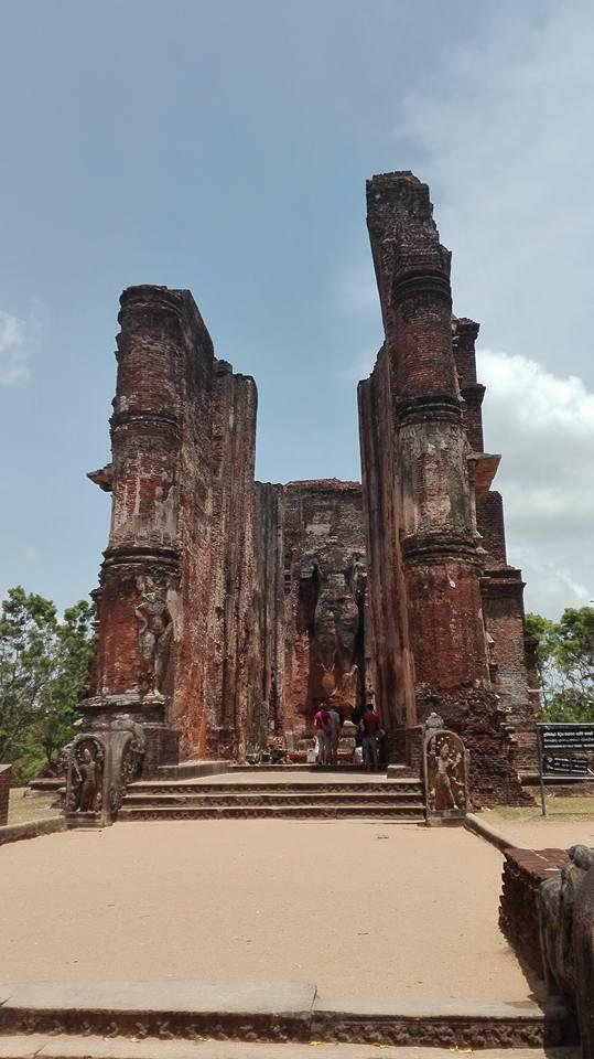 buddha senza testa, Polonnaruwa
