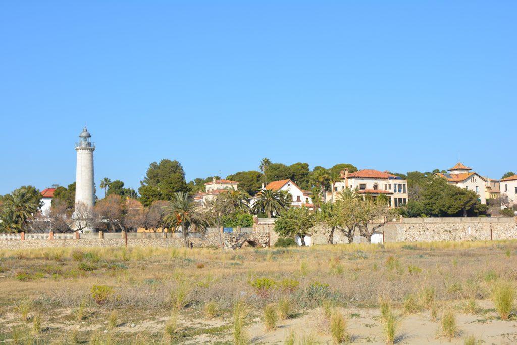 spiaggia del faro a Vilanova