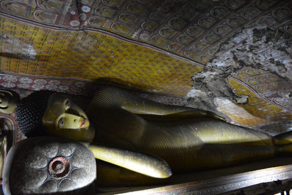 buddha dormiente della terza grotta di Dambulla