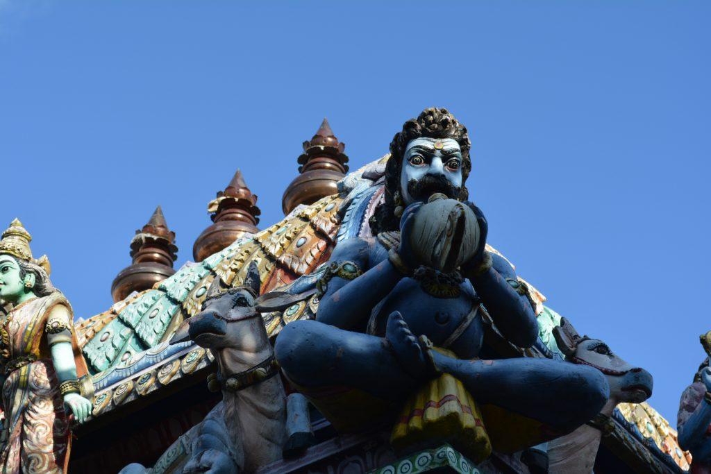 particolare di una statua del tempio Sri Kailawasanathan Swami Devasthanam