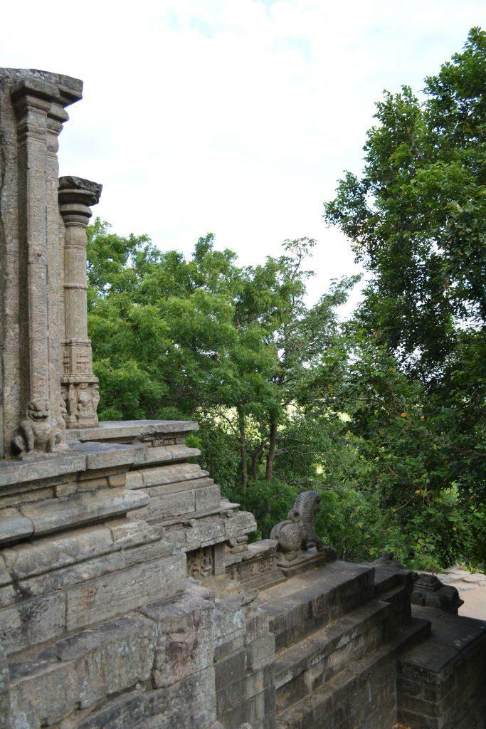 vista laterale della scala Yapahuwa