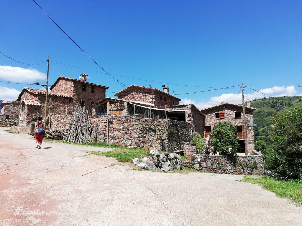Case in pietra di Bruguera