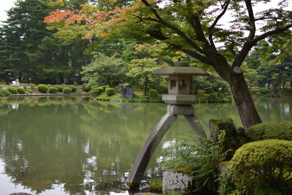 uno scorcio dei giardini Kenroku-en a Kanazawa